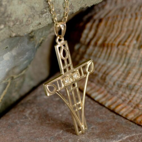 """Cairn 202GD Gold Charles Rennie Mackintosh """"Queen's Cross"""" Necklace Set With Diamonds. 4"""