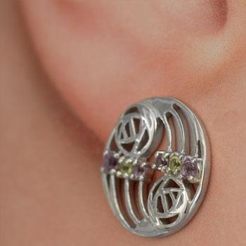 775-ear-close4_350-60