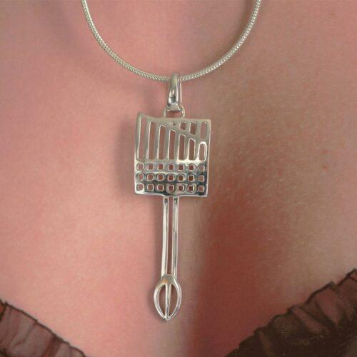 Silver Charles Rennie Mackintosh pendant by Ortak P981 DWO981