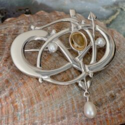 "HSH040 Sterling Silver ""Glasgow Girls"" Entwined Brooch With Citrine & Pearls 2"