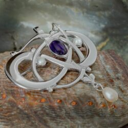 "HSH041 Sterling Silver ""Glasgow Girls"" Entwined Brooch With Amethyst & Pearls GB105/A 2"